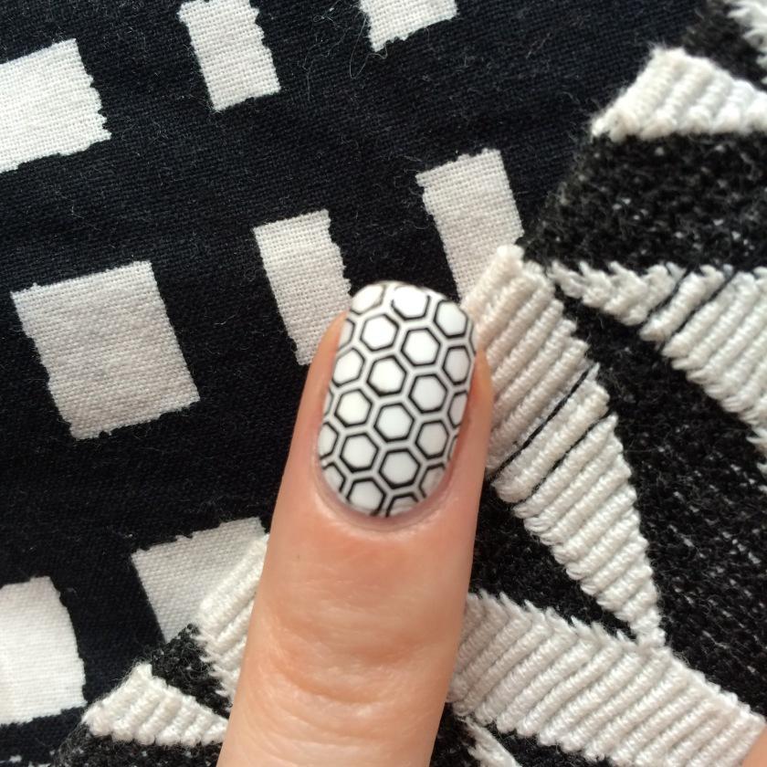 nail art monochrome