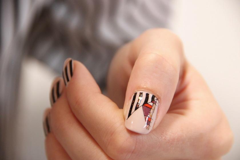 graphic-nail-art-autumn