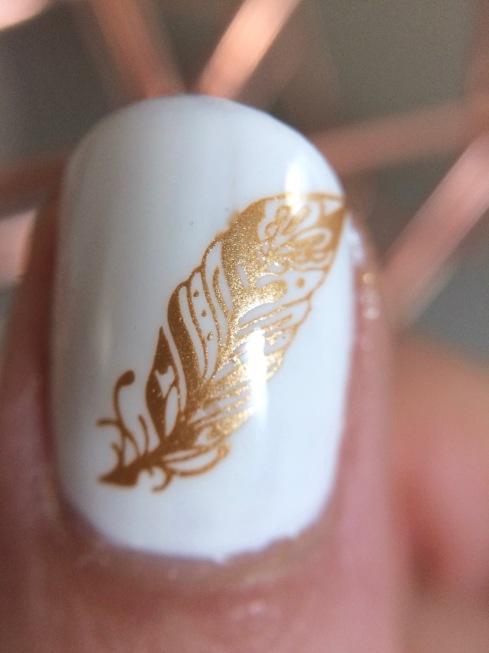 nail-art-plume